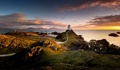Llanddwyn Light (Gareth Mon Jones) Tags: sumset lighthouse clouds coast color light