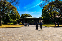 Chidorigafuchi National Cemetery : 千鳥ヶ淵戦没者慰霊苑 (Dakiny) Tags: 2017 spring april japan tokyo chiyoda chiyodaward sanbancho chiyogafuchi city street outdoor architecture people sky blue nikon d7000 sigma 1770mm f284 dc macro os hsm sigma1770mmf284dcmacrooshsm nikonclubit
