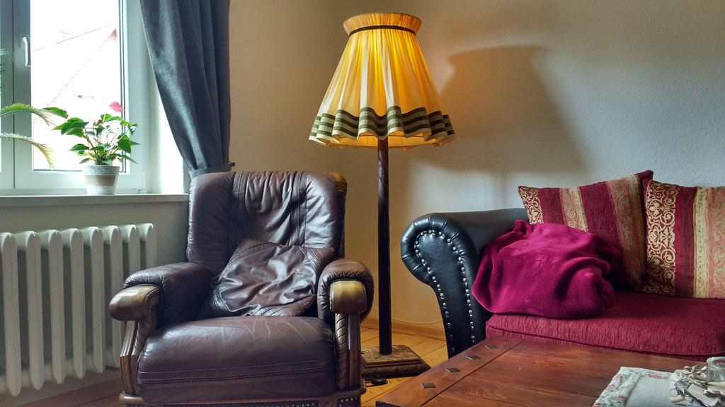 Vintage Living Room (ThomasKohler) Tags: Wohnung Wohnzimmer Raum Sessel  Lampe Stehlampe Livingroom Room