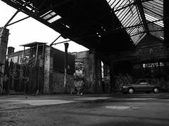 (anw.fr) Tags: bw ballon balloon berlin blackandwhite broken caddie car cart digital dirty gr graffitis grd grd4 noiretblanc photography raw ricoh rue shopping street streetphotography tags urbex voiture