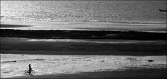 F_DSC6325-bw-2-Taoyuan City-Nikon D800E-Nikkor 28-300mm-May Lee 廖藹淳 (May-margy) Tags: maymargy 習作 心情的故事 bw 黑白 人像 腳踏車 海灘 退潮 小船 沙灘 海水 沙洲 剪影 街拍 streetviewphotographytaiwan 天馬行空鏡頭的異想世界 mylensandmyimagination 線條造型與光影 linesformandlightandshadows 心象意象與影像 naturalcoincidencethrumylens 桃園市 台灣 中華民國 taiwan repofchina fdsc6325bw2 portrait bicycle boat silhouette beach ocean taoyuancity nikond800e nikkor28300mm maylee廖藹淳