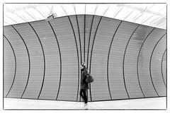 Focused (Heinrich Plum) Tags: heinrichplum plum fuji xe2 xf1024mm schwarzweiss blackwhite blackandwhite monochrom monochrome streetphotography streetphotographie street candid subway ubahn munich münchen marienplatz woman frau