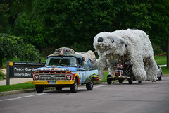 2015 Art Car Parade (schwerdf) Tags: artcarparade artcars artshanties cars lakeharriet minneapolis minneapolisartcarparade minnesota pedalbearartshanty unitedstates