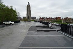 20170422 07 Oudenaarde - Meerspoort (Sjaak Kempe) Tags: 2017 lente sjaak kempe sony dschx60v belgië belgique belgium oudenaarde parking meersport sintwalburgakerk