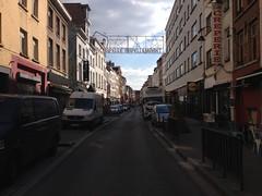Rue Haute (Erasmusenflandes) Tags: erasmusbruselas palacio de justicia poelaert chapelle rue haute lepée colline capucins marolles contrastes bruselas bruxelles