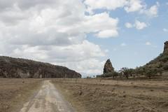 Hell's Gate (Natalia Lozano) Tags: sabana savanna savannah kenya africa nature naturaleza path camino rock roca paisaje
