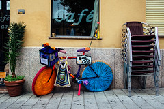 Crochet SalaBiKE (Walimai.photo) Tags: plaza color colour coffee caf bike square chair nikon crochet bicicleta silla bici salamanca 18105 oeste ganchillo d7000 salabike