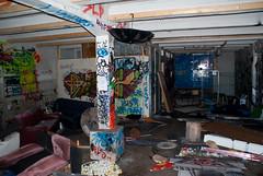Tukku (Janne Koivisto) Tags: streetart suomi finland graffiti helsinki urbanexploration ue urbex wharehouse abandonedplaces kalasatama hylätty tukku urbaanilöytöretkeily