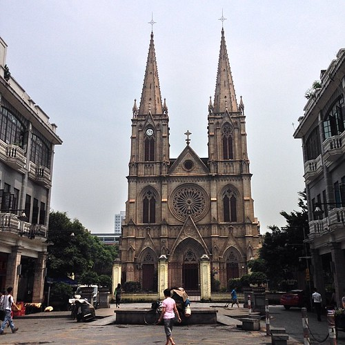 石室聖心天主教堂~ 感覺從文萊回來後就不用看任何宗教建築了 實在太破敗了