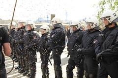 Blockupy Hamburg 170514-052 (photo.graf™) Tags: europa hamburg spd hafencity lampedusa widerstand barrikaden wasserwerfer krawalle linke demontration 170514 polzeieinsatz blockupy