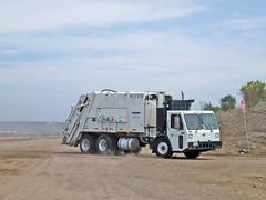 Miramar Landfill (20) (Photo Nut 2011) Tags: california trash garbage junk sandiego waste refuse sanitation garbagetruck trashtruck wastedisposal miramarlandfill 811119
