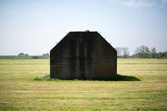 (Arthur van Beveren) Tags: holland netherlands concrete 1940 nederland bunker paysbas beton niederlande blockhaus piramide paisesbajos everdingen hollanda diefdijk paesibassi kazemat mobilisatie groepsschuilplaats pkazemat