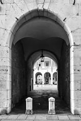 Brescia (Claudio Bugatti) Tags: italy cloud history photoshop photography iso200 italia raw bs arc streetphotography bn ita 24mm nikkor pioggia brescia arco lombardia biancoenero reportage storia solitudine contrasto piazzaduomo pellicola d90 franciacorta brixia nikor24mmafd