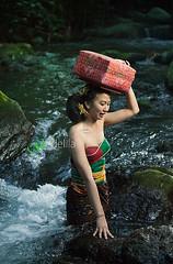 2014_06_01_1931_Berjuang (gedelila) Tags: bali girl beauty culture budaya wanita cantik gadis gadisbali gadiscantik gadissexy budayabali budayaindonesia balinisepeople