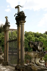 Florenz, Giardino di Boboli, Isolotto (HEN-Magonza) Tags: italien italy fountain florence italia brunnen tuscany firenze toscana triton florenz capricorn toskana steinbock giardinodiboboli isolotto