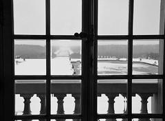 Depuis la fentre (Romain Bot) Tags: winter snow castle window hiver jardin palace galerie versailles palais neige