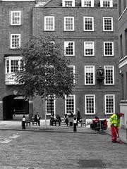 EC4 Gough Square (Douguerreotype) Tags: street city uk england people urban colour london architecture buildings britain candid gb selective urbex colourpop bleedinglondon