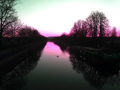 Sunset pink (-Mélancolie-Amnésique-) Tags: sunset pink canal de la moselle région grand est péniche nature promenade inversion rvd filtre filter signe coucher soleil