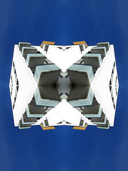 Cube (Ed Sax) Tags: antizipation wahrnehmung verzerrung weis blau art kunst würfel edsax hamburg freeandhansatownofhamburg freieundhansestadthamburg balkon streifen orange