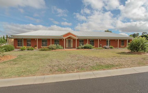 26 Lister Crescent, Kelso NSW