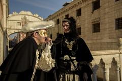"""Il """"Baciamano""""  """"Explore"""" 28/08/2017 (Renato Pizzutti) Tags: venezia maschere costume pontedeisospiri nikon renatopizzutti carnevale eventi"""