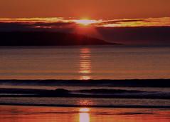 Shine unto me (Patricia McAtee - Photos of Maine) Tags: sunrise beach sea li light calmwaters morning morningwalk