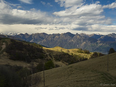 Incroci incorniciati (gaddi_luca) Tags: alpi cime natura mottarone piemonte nuvole spring altitudine