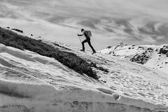 Sierra Nevada (Pepa Morente ( 1.650.000 de VISITAS )) Tags: sierranevada nieve deportista esquiador subir nevada granada andalucía cielo nubes blancoynegro