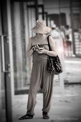 Texto avec Style ... ( P-A) Tags: texto portablemode urbain style universel élégance décontracté femme jeune modern photos simpa©