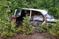 IMG_2627 (Irina Souiki) Tags: rusty crusty cars mcleansautowreckers milton ontario old oldcars