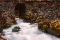 Espoonkartano (Joni Salama) Tags: longexposure vesi on1effects espoonkartano koski photoshop espoo suomi luonto uusimaa finland fi water nature