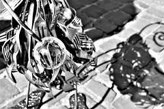 Who needs a fork? (Kimoufli) Tags: fourchette fork couverts cuillère spoon métal noiretblanc noir noirteblanc blackandwhite blanc white monochrome matière structure objet nikon d5300 ombre shadow light
