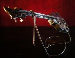 Bass Hofner (° ARTMAN °) Tags: baa hofner paul mc cartney beatles metal sculpture