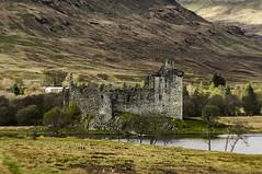 Kilchurn Castle (Brian Travelling) Tags: pentaxkr scotland lochawe bencruachan castle loch mountains