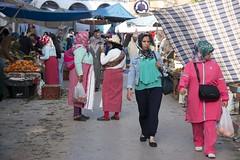 Market day (ramosblancor) Tags: humanos humans tribus tribes gente people mercado market bereberes berbers mujeres women chefchaouen marruecos travel viajar