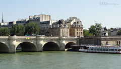 Pont Neuf to island (eutouring) Tags: paris france river riverseine seine travel iledelacite old history pontneuf