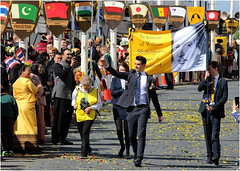 Head Boy, Stratford Grammar School, leads the parade (alanhitchcock49) Tags: william shakespeare annual birthday parade 22 april 2017 stratforduponavon warwickshire lovely spring day head boy king edward vi grammar school foreign overseas contingents flags