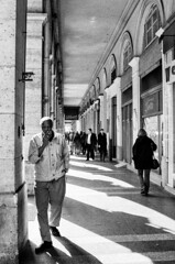 Break Time (Aref Jdey) Tags: people blackandwhite paris monochrome blackwhite streetphotography streetphoto streettogs