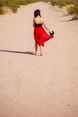 Modelos M Accesorios Abril (Jorge Ibarra L.) Tags: portrait woman girl lady mujer model sand day chica desert retrato abril modelos sunny dia modelo m arena desierto dama accesories muchacha accesorios soleado