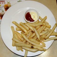 #5729 fries (Nemo's great uncle) Tags: food dinner geotagged tokyo squaredcircle  squircle gusto funabashi   setagayaku    geo:lat=356474772 geo:lon=13962154150000003