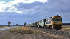NR95 DL48  and NR50 crawl out of Wail to enter Pimpinio Loop on PM5 (bukk05) Tags: railroad autumn station yard train clyde flickr loop wheat tracks rail railway overcast loco australia melbourne anr grampians victoria an container explore turbo photograph perth locomotive ge nr horsham freight vr pn kelso wagons horsepower export mallee pm5 thegrampians nationalrail emd vline pacif