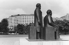Ost-Berlin in der DDR 1987 (SchlangenTieger) Tags: berlin ddr gdr ostberlin