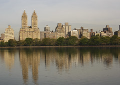 Jacqueline Kennedy Onassis Reservoir (fantommst) Tags: nyc usa lake ny newyork us cityscape centralpark reservoir manmade jacquelinekennedyonassis lisaridings fantommst