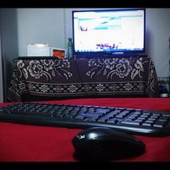 นอนเล่นเฟสบนเตียง #ชีวิตไร้สาย #คีย์บอร์ดกะเม้าส์ไร้สาย #ของเล่นใหม่ #ต่อจอทีวีกะโน๊ตบุ๊คได้จอบะเริ่ม