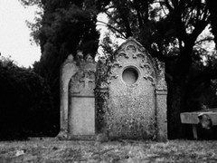 (Lou Darracq) Tags: church graveyard death blackwhite mort tomb tombe noirblanc cimetière skancheli