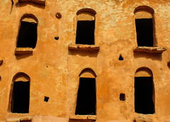 IMG_2144 (1)-35 (laranja4) Tags: windows ruins tunisia berber tatuine