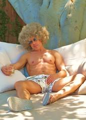 AvMem 030 (danimaniacs) Tags: shirtless man silly sexy guy hunk wig shorts trunks swimsuit mansolo avmem