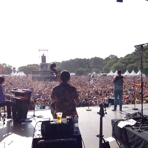 Great crowd at festival dubout du monde. In Crozon France. Thanks for partying with us! #tcedoeuro #andietheroadie