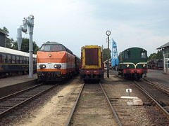 Lineup of Locon 9802, EETC 661 and VSM 636 (cklx) Tags: amsterdam 600 500 excursion apeldoorn beekbergen vsm 9802 9908 locon traintour bakkies railexperts