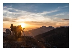 Photographers and Sundown (johannesotte84) Tags: photographer sun down mountain italy italien berge foto fotografieren picture hiking landscape view canon otte 1000d abbruzzen campo imperatore gran sasso